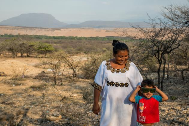 A woman and child from the Proviancial Wayuu community in Colombia. Credit: Felipe Abondano