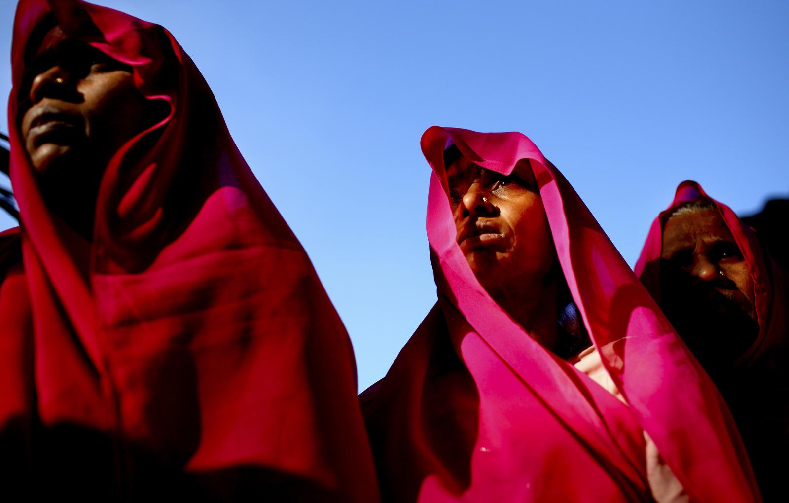 Members of Gulabi Gang dressed in their distinctive pink saris. Photo credit: G. M. B. Akash / Panos