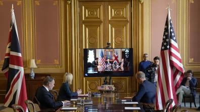 US-UK trade deal negotiations happening over video feed. Photo: Andrew Parsons / No 10 Downing Street